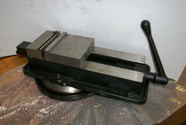 "15652 -  NEW 6"" DAYTON PRECISION MILLING VISE WITH SWIVEL BASE, MODEL 3W764A"