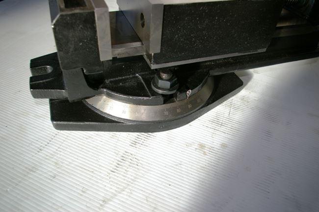 "15653 - NEW 6"" DAYTON MILLING MACHINE VISE WITH SWIVEL BASE, MODEL 3W765"