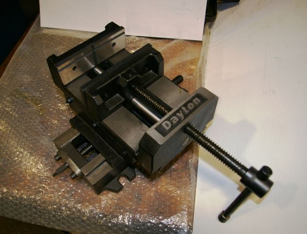 "15661 - NEW 6"" DAYTON DRILL PRESS VISE WITH CROSS TRAVEL, MODEL 6Z848"